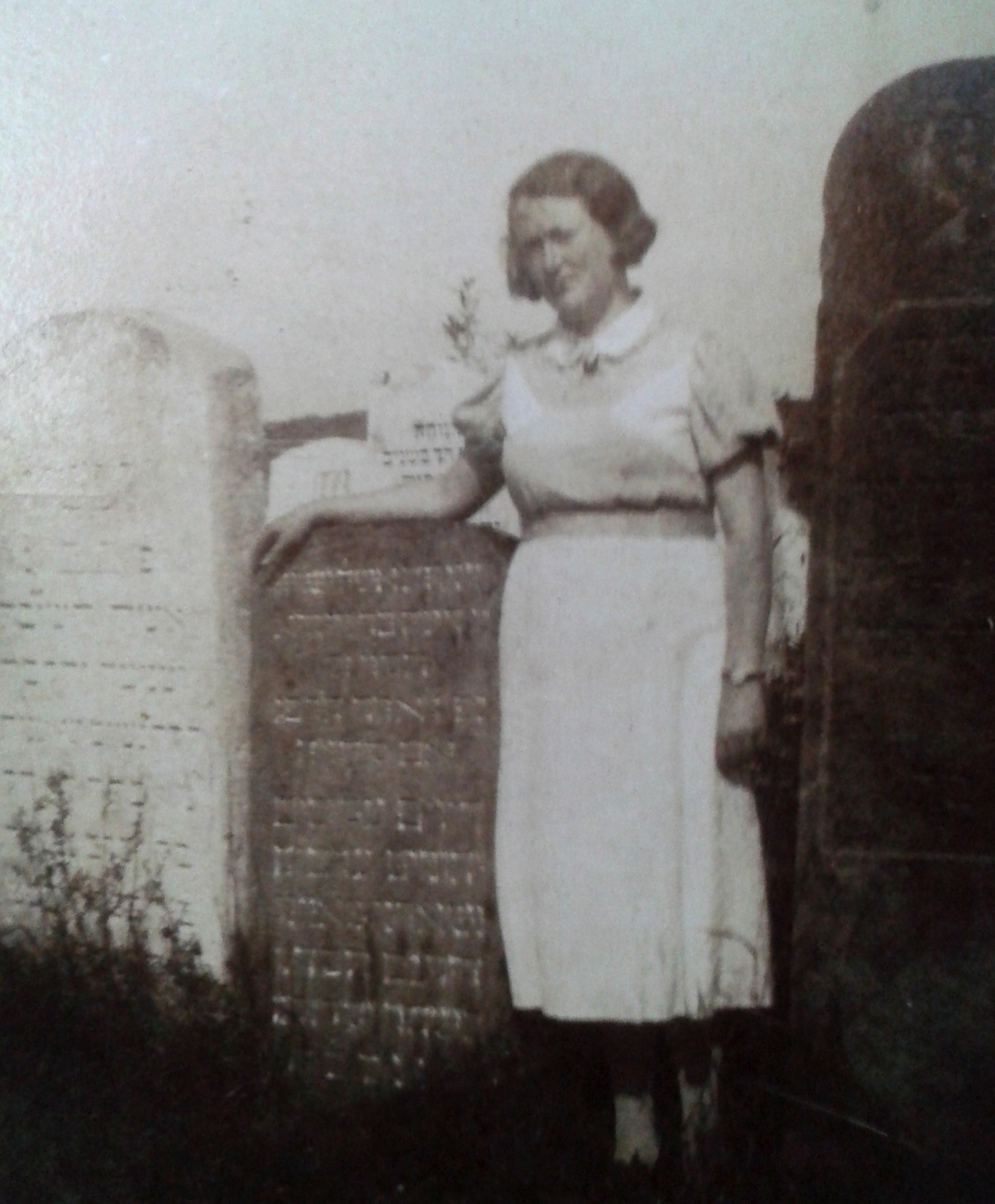 Dvora Near Her Mother's Grave
